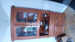 Vaisselier - China Cabinet a donner