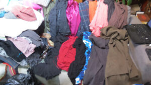 womens clothes size 4x-21 pieces, tops,pants,sweaters,etc...)