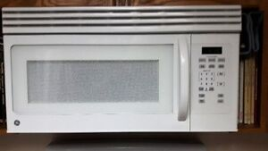 """Microwave oven, over the Range, white, 1.6cuft,1000W, 30""""W, GE"""