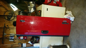 F250 or f350 tailgate