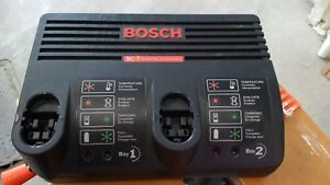 Bosch 18 volt Ni-Cad dual bay charger West Island Greater Montréal image 1