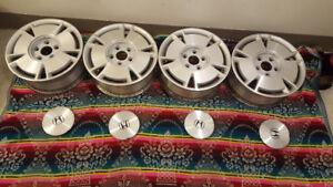 4 mags original honda civic 15 pouces bolt pattern 5x114.3.