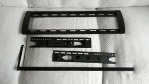 TV wall mount (for small to medium size TV)
