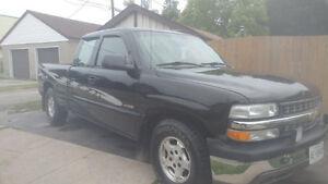 2002 Chevrolet C/K Pickup 1500 4 Pickup Truck