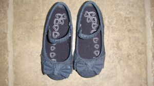 The childrens place shoes size 6