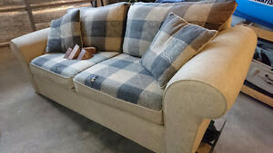 Quality oversize 2 cushion loveseat couch