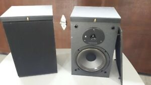 Acoustic Research Bookcase Speakers