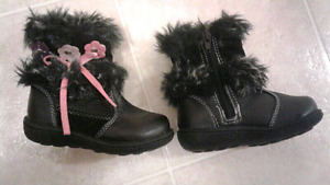 Girl boots size 6