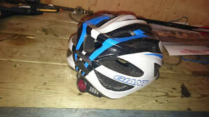 Barely used: mens adult (giant brand) blue bike helmet