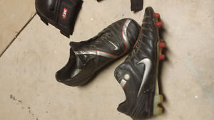 Mens Nike total 90 zoom air soccer cleats size10