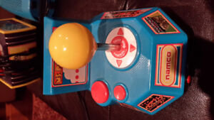 Ms Pacman Video Game Console + 4 other Games