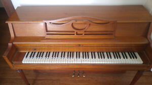 Petit piano pour appartement - small piano for sale