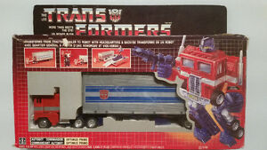 1984 Transformers G1 Optimus Prime Canadian Version with Box