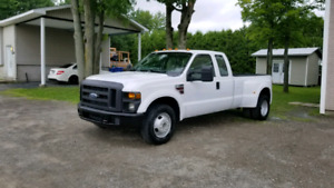 Ford F-350 diesel roues double 117 000 km