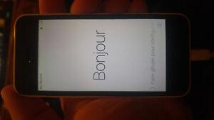 Iphone 5c 8g blanc *excellente condition*