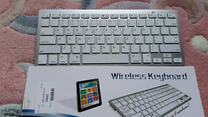 Wireless Keyboard Bluetooth 3.0 For iOS and Android