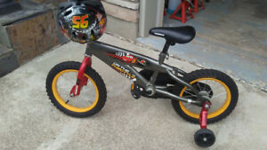 Boys lightening mcqueen bike.