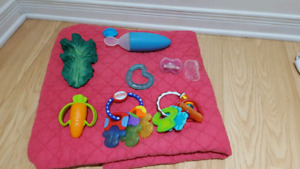 BOON squirt and muktiple teethers
