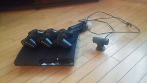 PS3 + 3 télécommandes + PS Move + Camera + 17 jeux
