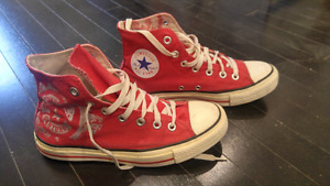 NICE Converse shoes size 6 for men size 8 for women