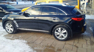 2012 Infiniti FX VUS (BLACK on BLACK) MINT CONDITION