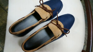 NEW ladies duck shoes size 10, blue Sarnia Sarnia Area image 1