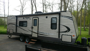 Like new 2016 Keystone Hideout 262LHS private sale