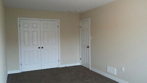 Rooms Available for Rent in South End OF Guelph! London Ontario image 4