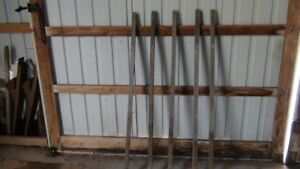 300 Fence Stakes