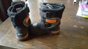 Baffin winter boots size 8 kids