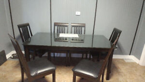 Black 6 person dining table with leaf