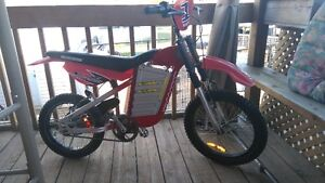 VÉLO MOTOCROSS MONGOOSE EXCELLENTE CONDITION 50$$$