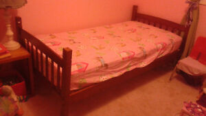 Bunk bed - good shape, no matresses