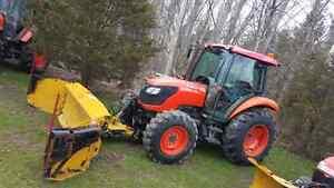 Kubota 7040 Tractor