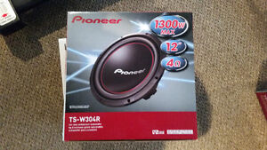 2 X 12 pioneer subwoofer with amp West Island Greater Montréal image 4