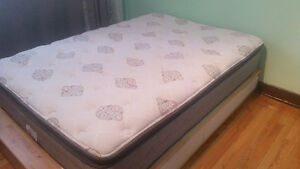 Matelas Double 650$ à vendre - Double Mattress for 650$