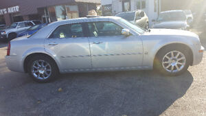 2007 Chrysler 300-Series 5.7L HEMI Sedan - LOW KM! MINT! Kitchener / Waterloo Kitchener Area image 6