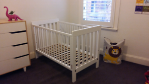 Boorie Urbane cot/junior bed with sheets Balaclava Port Phillip Preview