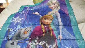 Disneys Frozen tent and comforter Kawartha Lakes Peterborough Area image 3