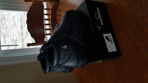Met-Guard Safety Boots size 9.5 mens