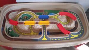 Table d'auto et de trains pour enfants de marque Step 2