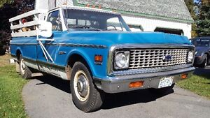 1972 Chevrolet Custom Deluxe 20 3/4 ton Long Box Pick Up