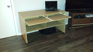 Nice and simple computer desk for sale 50$ nego