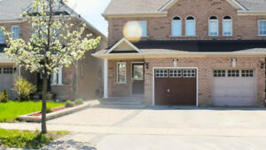 beautiful home 3+1 bedrooms in Maple/Vaughan