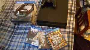 Ps4 with 6 games, controller and headset