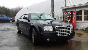 2005 Chrysler 300 ((NEW MVI TODAY)) Call or Text 209-9180