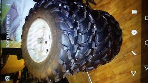 4x pneu carliles 26 pouce avec 4 rims d'alluminium