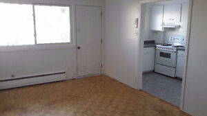 715$ - 4 1/2 Heat/Hot Water Included Dorval JAN 1