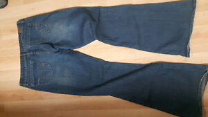 American Eagle  real flare size 8 regular