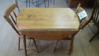 HFH ReStore SOUTH - Dining Table with 2 Chairs
